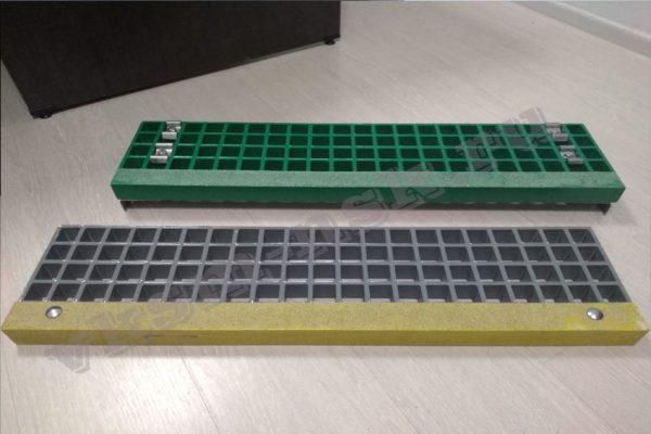 Стеклопластиковые ступени с противоскользящими накладками